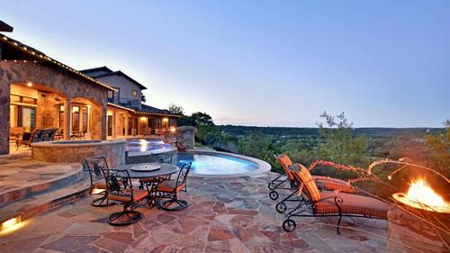 Gorgeous Spanish Oaks Home Overlooking Barton Creek