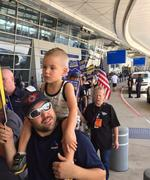 American Airlines mechanics, ground crews picket to protest contracts, outsourcing (Video)