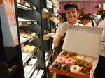 Hundreds line up for Dunkin' Donuts return to Hawaii: Slideshow & Video