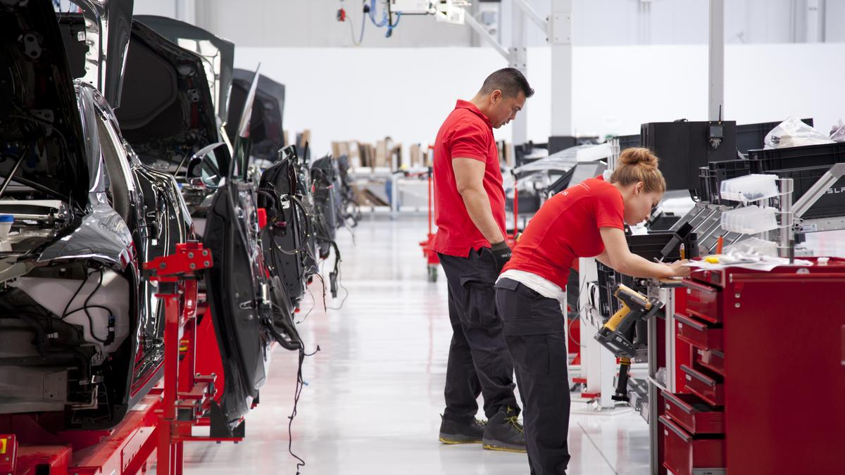 Tesla Factory Workers Demand Safety And Pay Data From Board