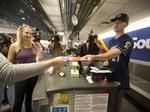 Brewers Davies and Vogt surprise Southwest Airlines customers at Mitchell: Slideshow