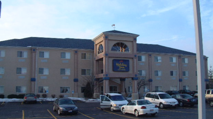 Group buys Greater Cincinnati hotel, plans to invest $1M in changes