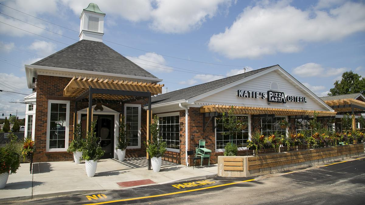 Inside Katie S Pizza And Pasta Osteria New West County Location St Louis Business Journal