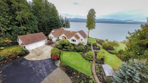 Waterfront Estate on Hood Canal