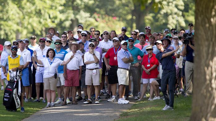 Players turn up the heat in first round of Wyndham Championship (PHOTOS)