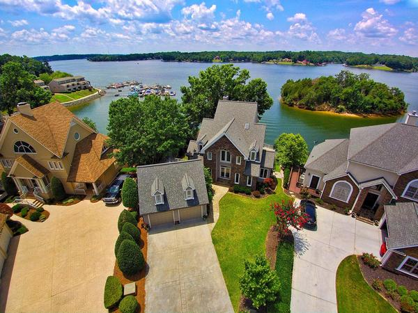 Home of the Day: A Gorgeous Home on Lake Wylie