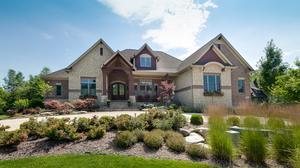 Luxury Beavercreek home on market for $950,000