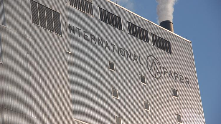 international paper co International paper co (ip) will convert one of its paper machines to meet the growing demand of its industrial packaging division the company announced it will invest about $300 million to convert its no 15 paper machine at its riverdale mill in selma, alabama the machine, which currently produces.