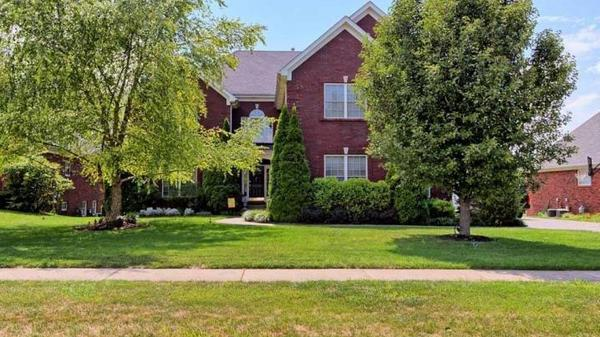 Spacious 2 story walkout on 2nd hole of Glen Oaks Golf Course--views for days!