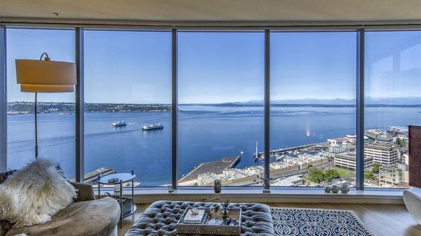 Seattle Condo with Market Views