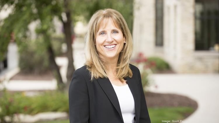 Shelly Hart: Top Corporate Counsel – Mentor/Coach - Milwaukee