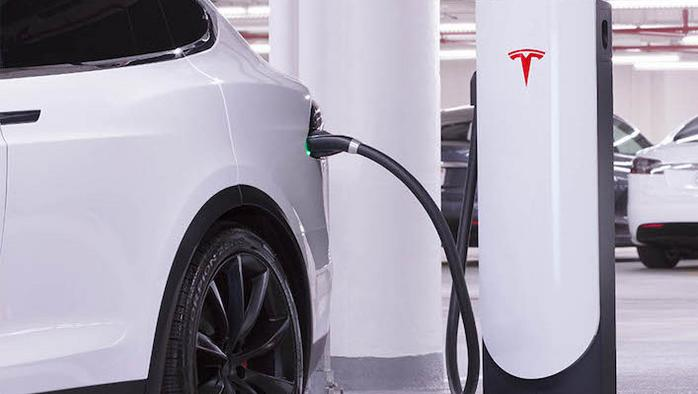 Tesla opens 'supercharger' stations in Chicago