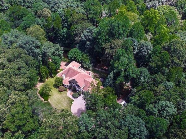 Home of the Day: Exclusive retreat on 5.35 acres!