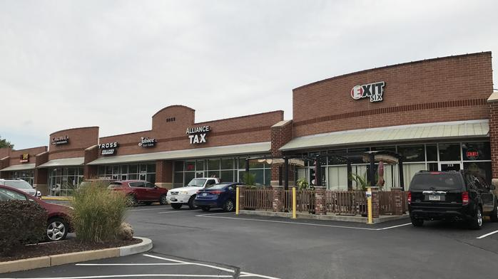 New York firm buys St. Charles County shopping plaza