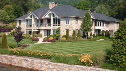 Elaborate Lakeside Estate