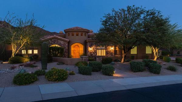 Executive Home conveniently located to Basis Scottsdale and the Mayo Clinic