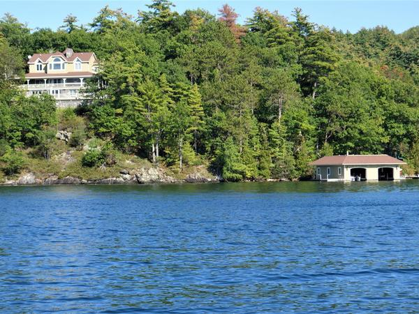 Home of the Day: Privacy and Serenity on Lake George