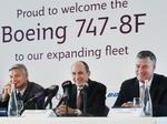 Qatar Airways CEO unveils Boeing 777 order as he takes the keys for a 747 in Everett (Photos)