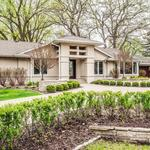 Home of the Day: Gorgeous Parkwood Knolls renovation on waterfront lot!