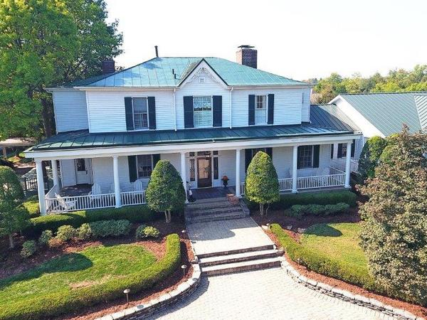Home of the Day: Beautiful historic manor built in 1855 - truly a gracious