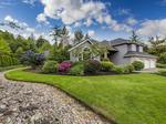 Home of the Day: Spacious Golf Course Living on Bainbridge Island