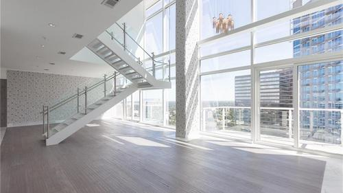 Penthouse with Skyline Views