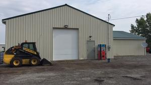 Property Spotlight: New Office/Warehouse Building on 5+ Acres!