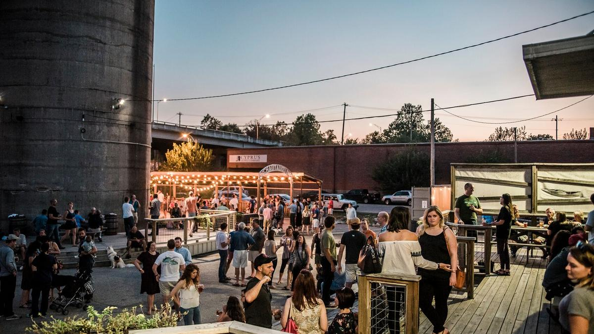 Shelby County Health Department issues Health Directive No. 12 to allow limited-service bars to reopen for first time since July 7. - Memphis Business Journal
