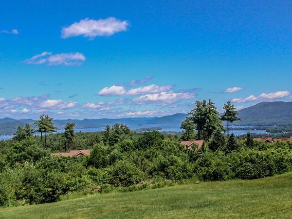 Home of the Day: Panoramic Lake & Mountain Views