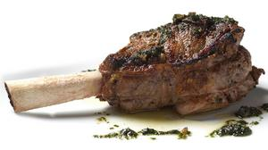 New steakhouse opens at U.S. Steel Tower