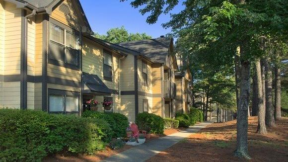 Daniel Corp. invests in Grand Highlands apartment complex