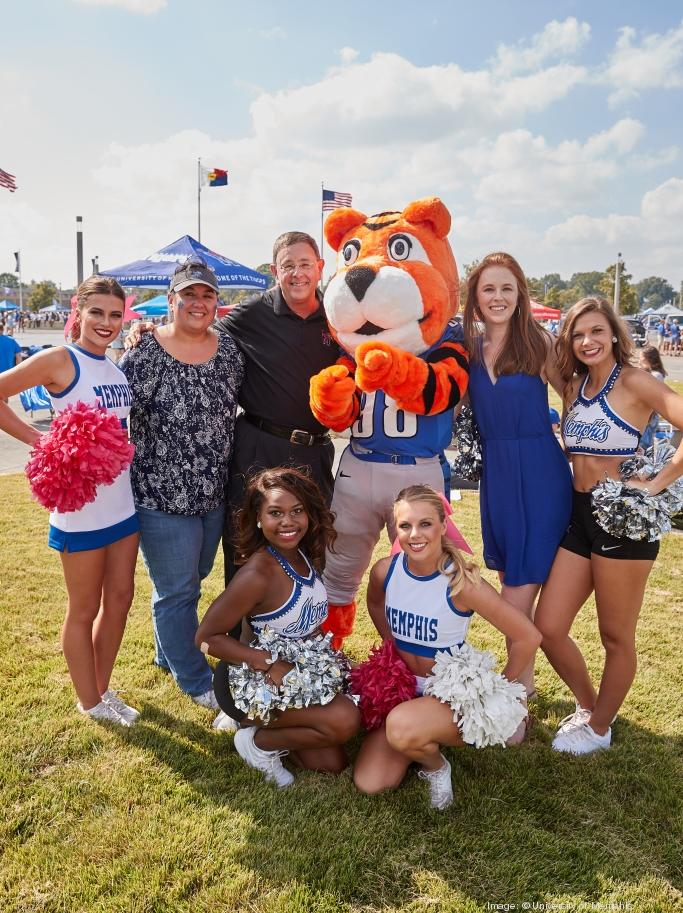Glassman Family with Pouncer and Cheerleaders on Tiger Lane (left to right) - Samantha  sc 1 st  The Business Journals & Richard Glassman of Glassman Wyatt Tuttle u0026 Cox PC buys ...