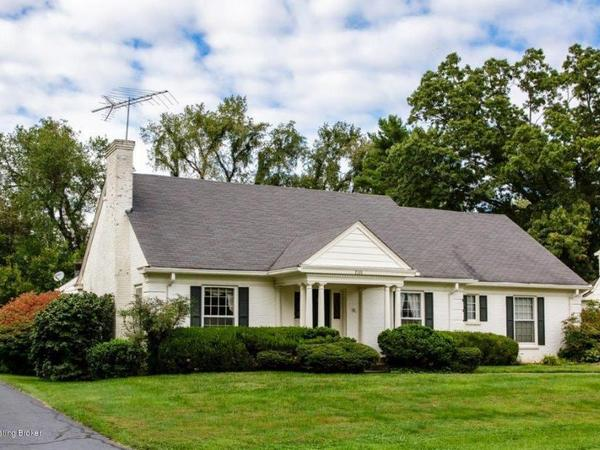 Home of the Day: Location!  Charm!  Spectacular Floor Plan!