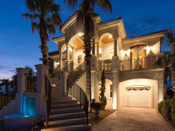 Home of the Day: Beautiful home with majestic street presence for $885,000