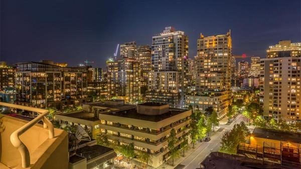 Bay Vista Condo with Downtown Seattle Views