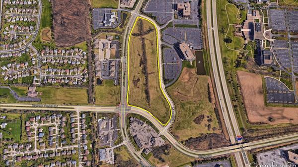 PERFECT DEVELOPMENT OPPORTUNITY ON EMERALD PARKWAY!!