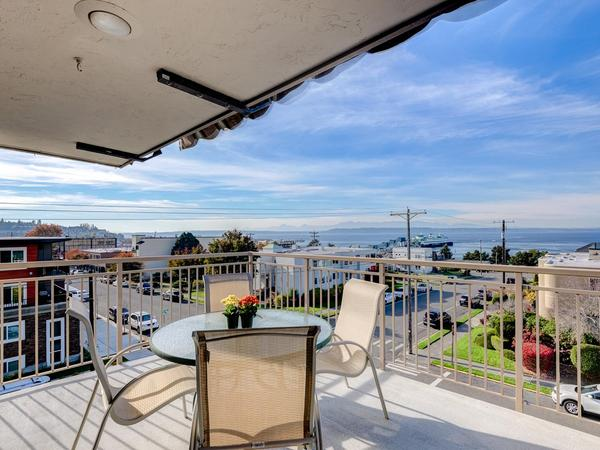 Home of the Day: The Harbormaster Penthouse in Downtown Edmonds