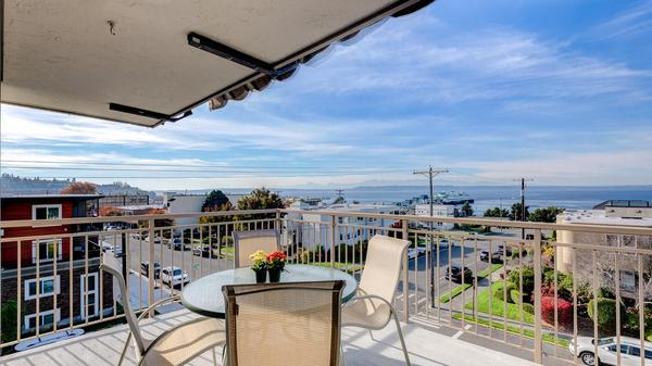 The Harbormaster Penthouse in Downtown Edmonds