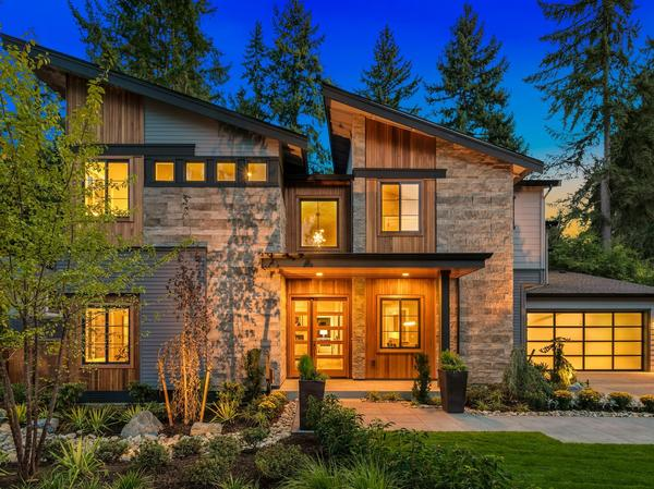 Home of the Day: The Monte Carlo in Bellevue by JayMarc