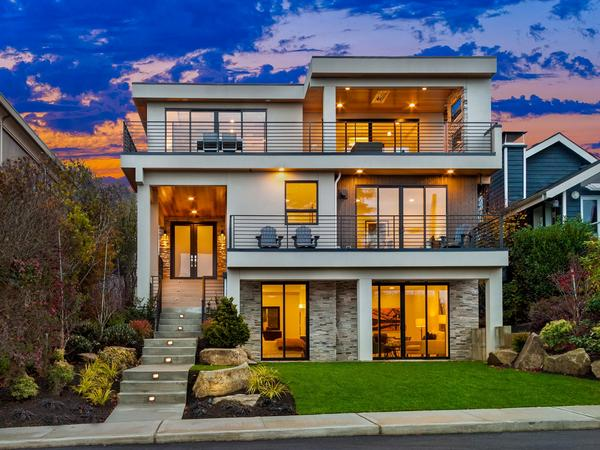 Home of the Day: Newly Built Kirkland Home with Incredible Views