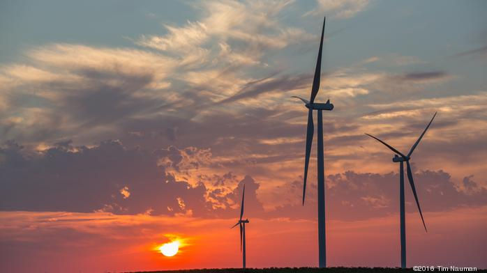 Now online: Giant Missouri wind farm that can power 100,000 homes, supplies KC