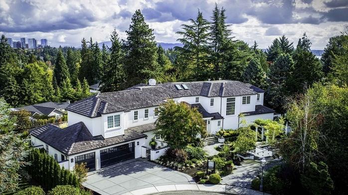 Patti Payne's Cool Pads: Medina mansion with an interior by Oprah's favorite designer is listed for $7.6M (Photos)