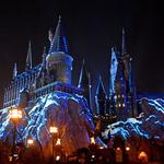 See Universal Orlando's new Hogwarts Castle holiday light show, more