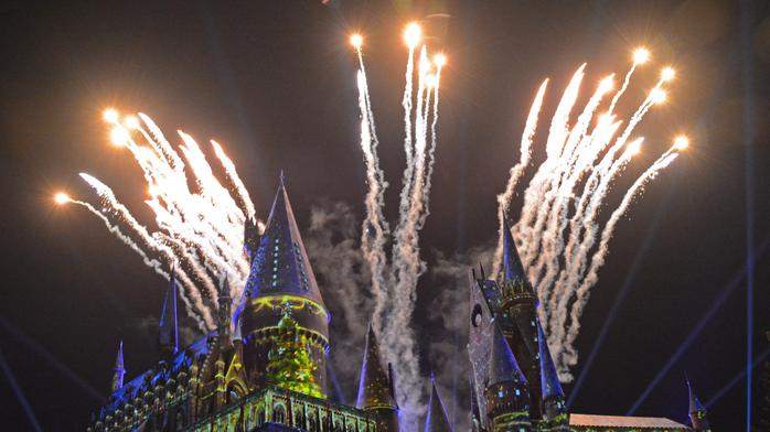 Hogwarts, Minions and a guy named Claus highlight new holiday experiences at Universal