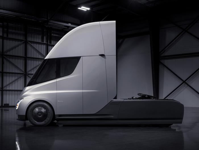 FedEx comments on new Tesla Semi unveil