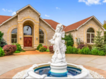 Dream Homes: Large estate with massive garden on the market in $2.7 million (slideshow)