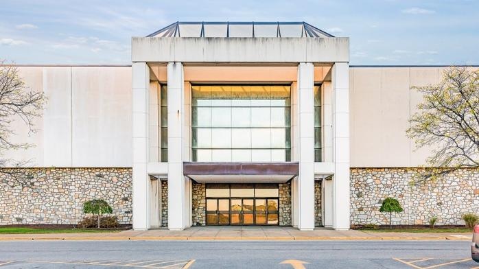 Two local former Macy's stores up for auction
