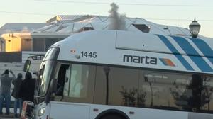 Photobombing Marta bus is taking over Twitter