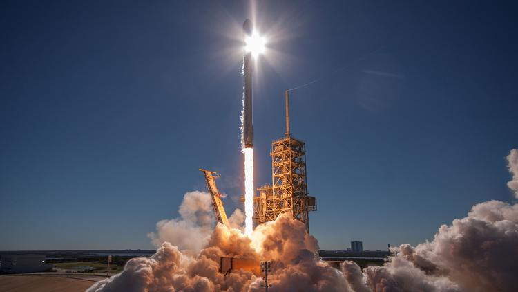 SpaceX raises another $100 million - L A  Biz