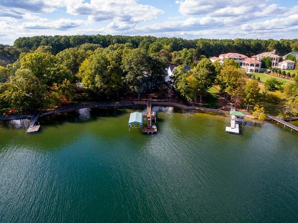 Home of the Day: Top Quality Craftsmanship with Lakefront Views